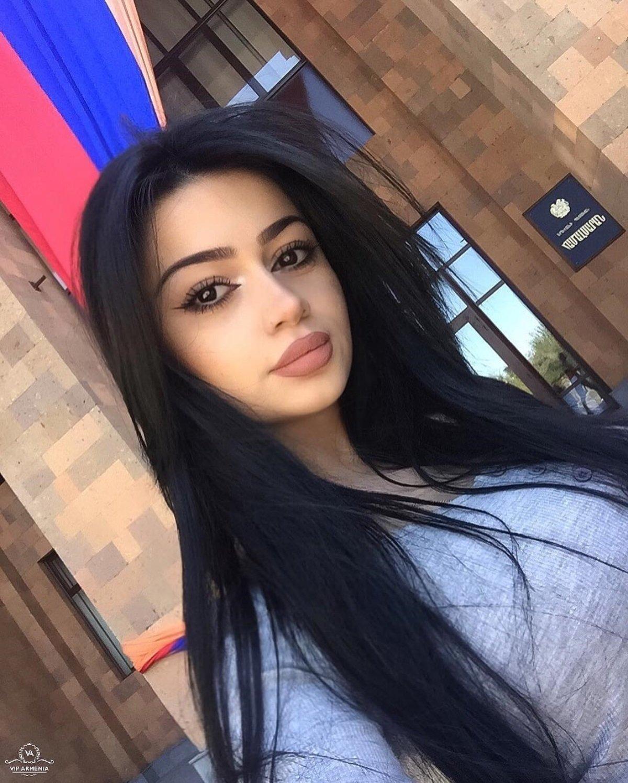 как стать похожей на армянку фото интерьерах гостиных