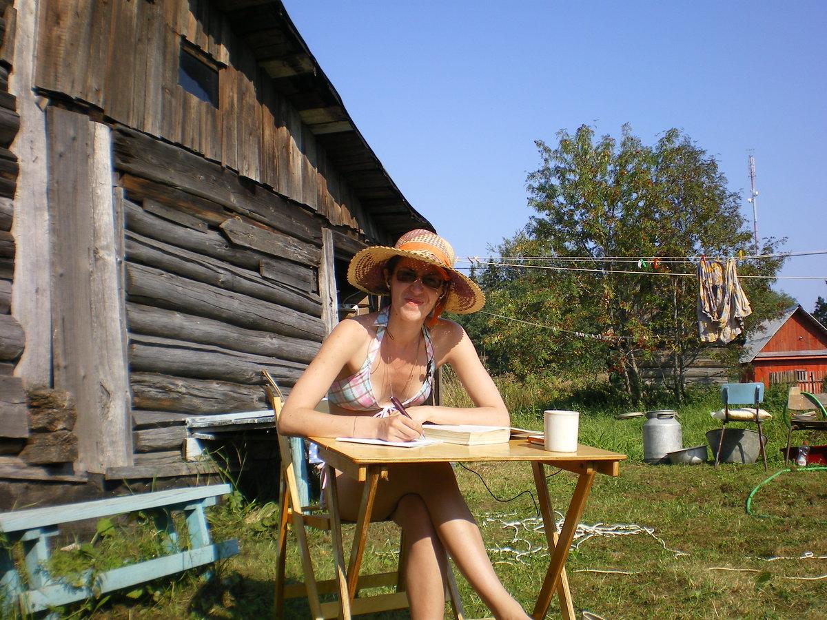летом на даче с женой фото тут можно