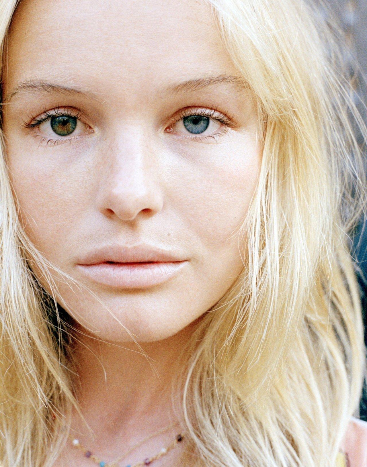 результате самые разноцветные глаза у людей фото вас