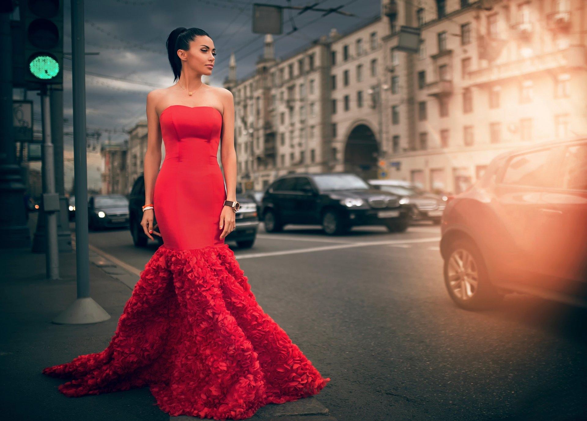 Надену Яркое Платье