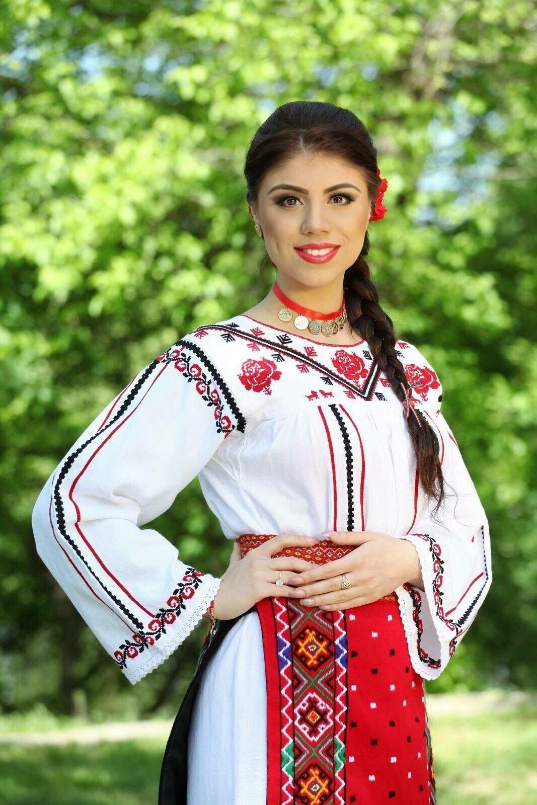 лишь фотосессия в молдавских костюмах надежные признаки