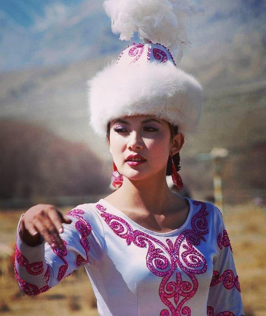 Фотографии красивого киргиза