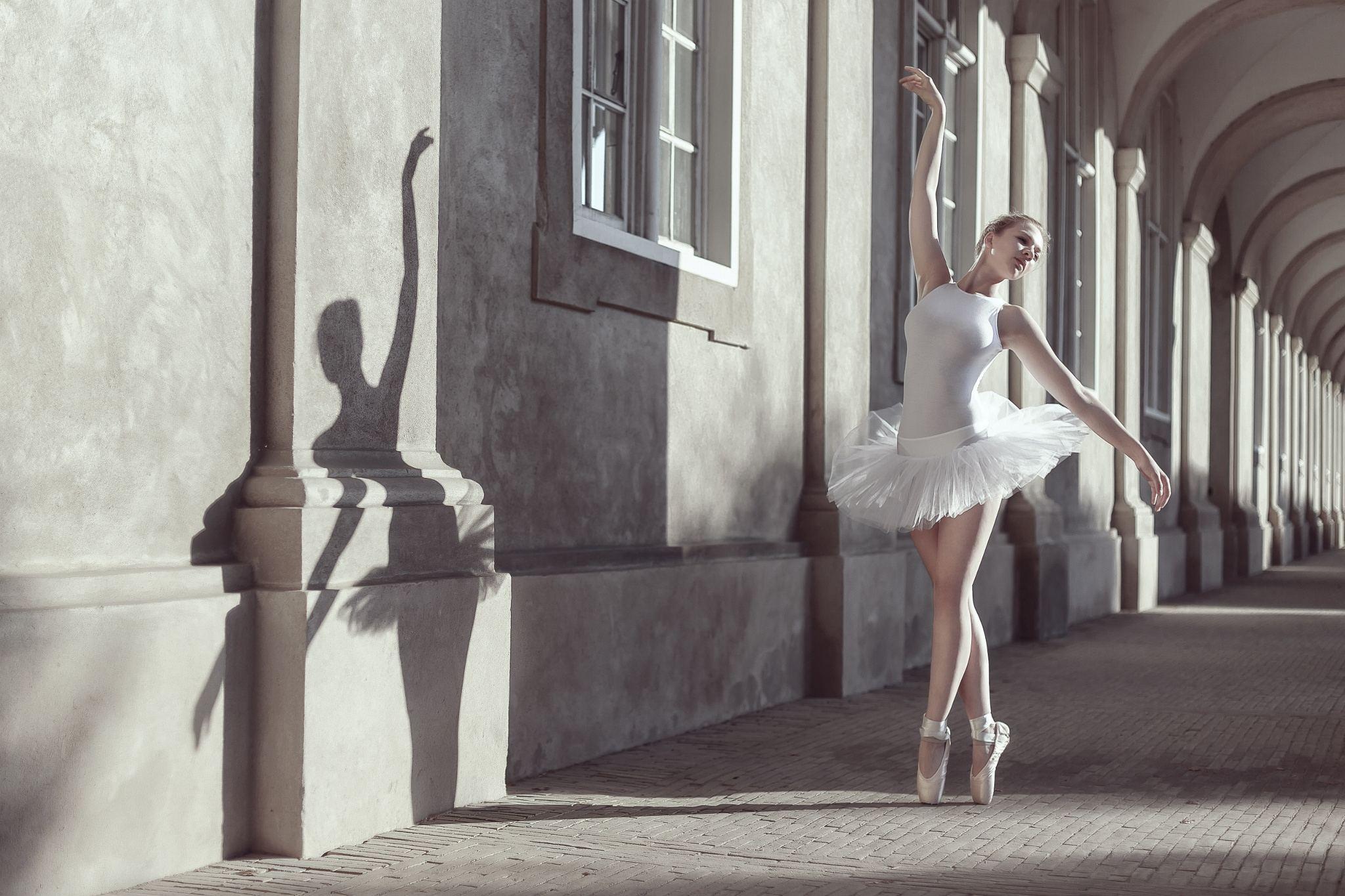 фотосессия в виде балерины уже давно осознали
