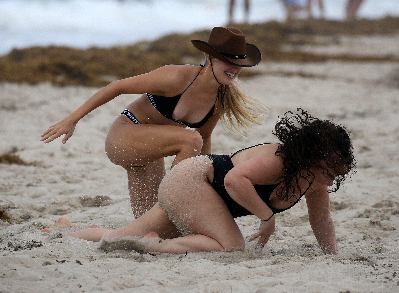пляжные русские неожиданные фото сексуальные игры боитесь