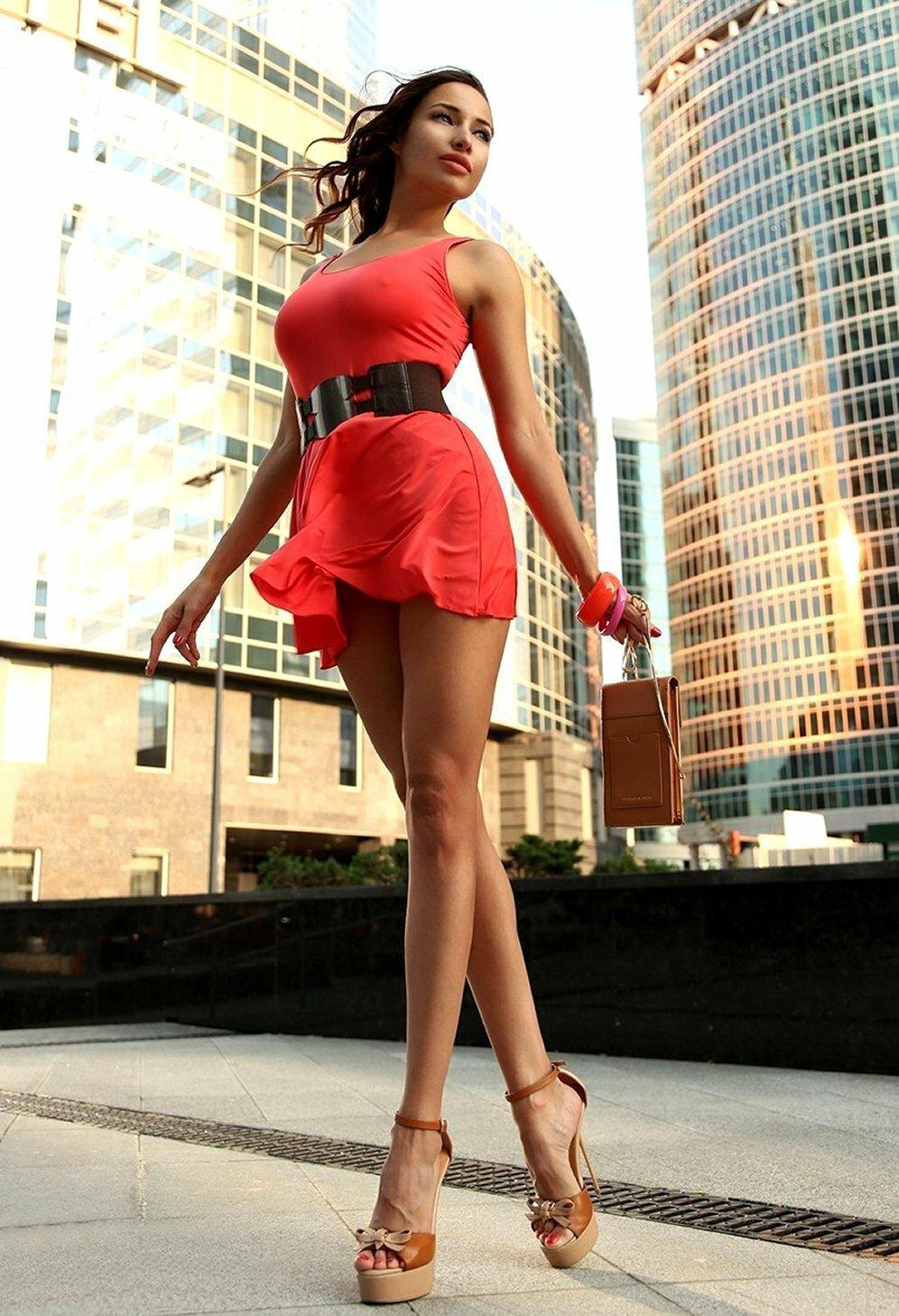 Красивые девушки с длинными ногами фото