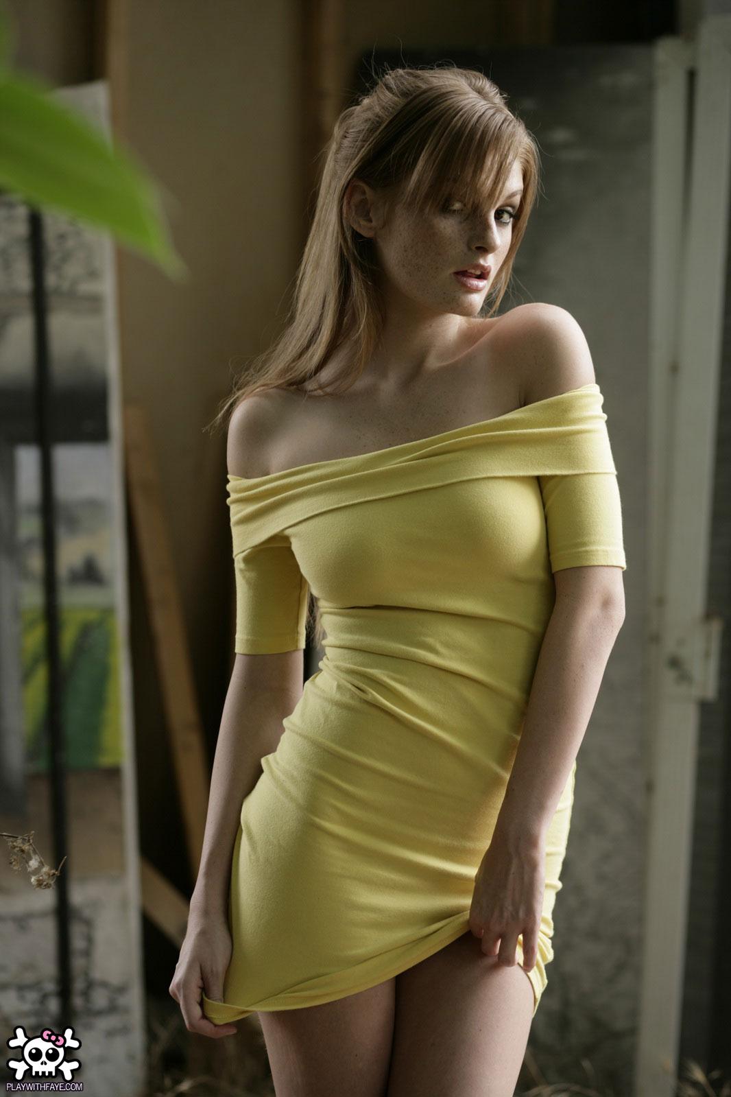 Обнаженные В Платье Фото