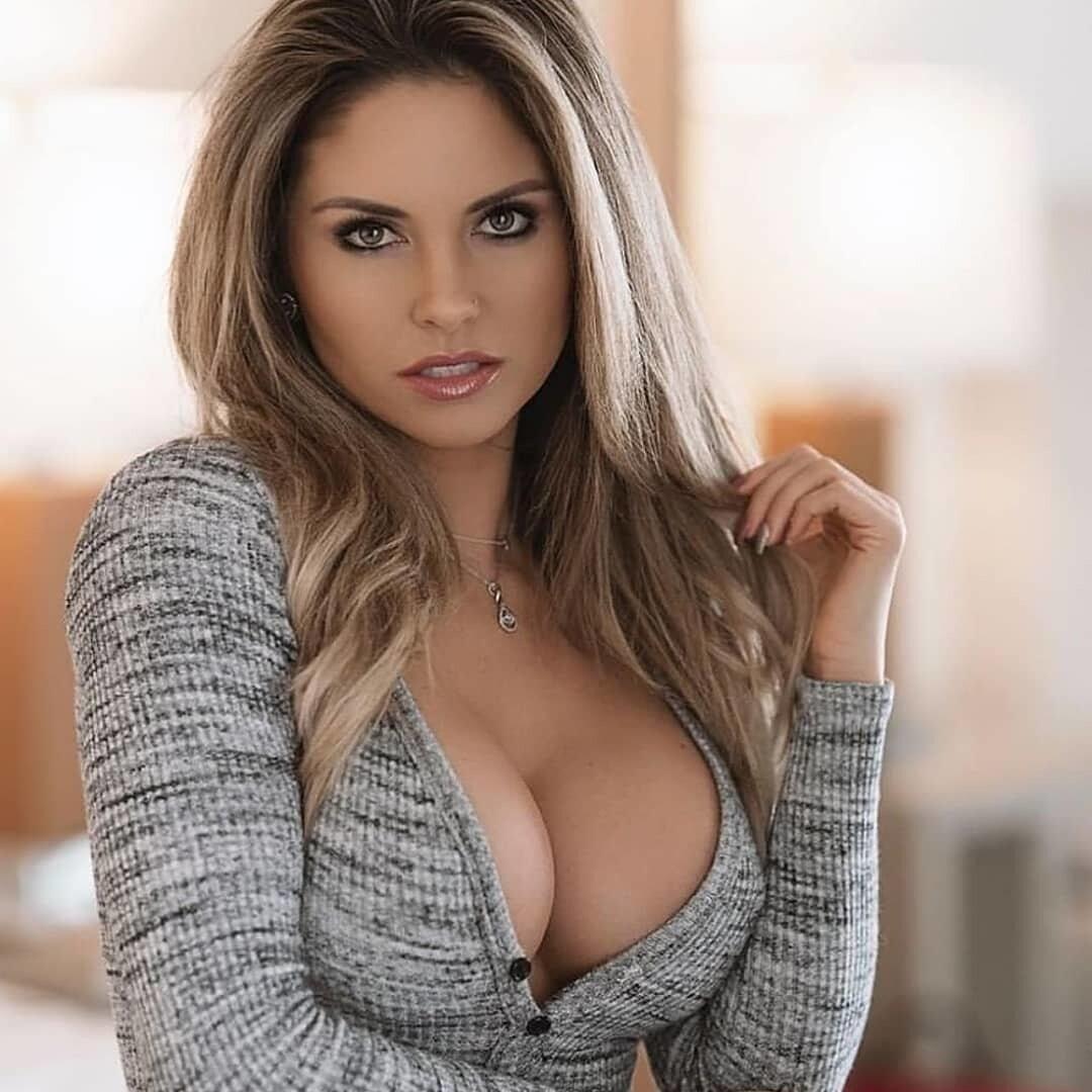 большой грудью