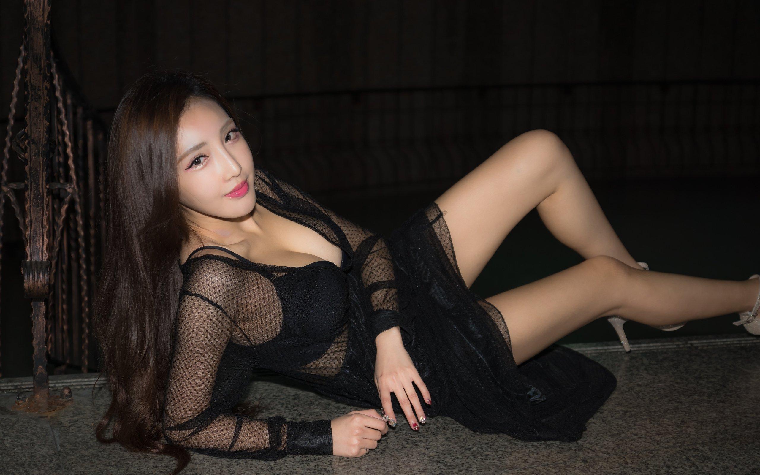 Проститутку на казахском снял малолетнюю проститутку