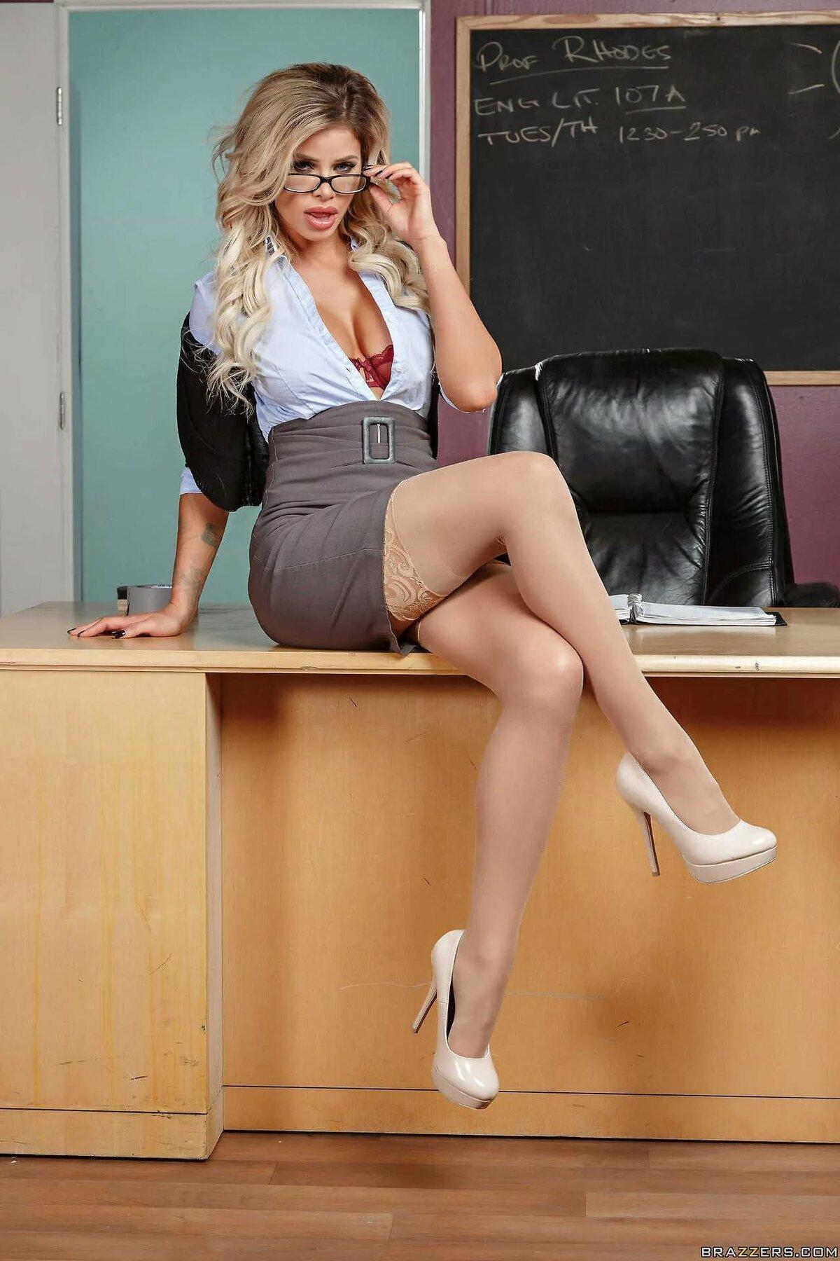 Учитель проститутки проститутки из сормово