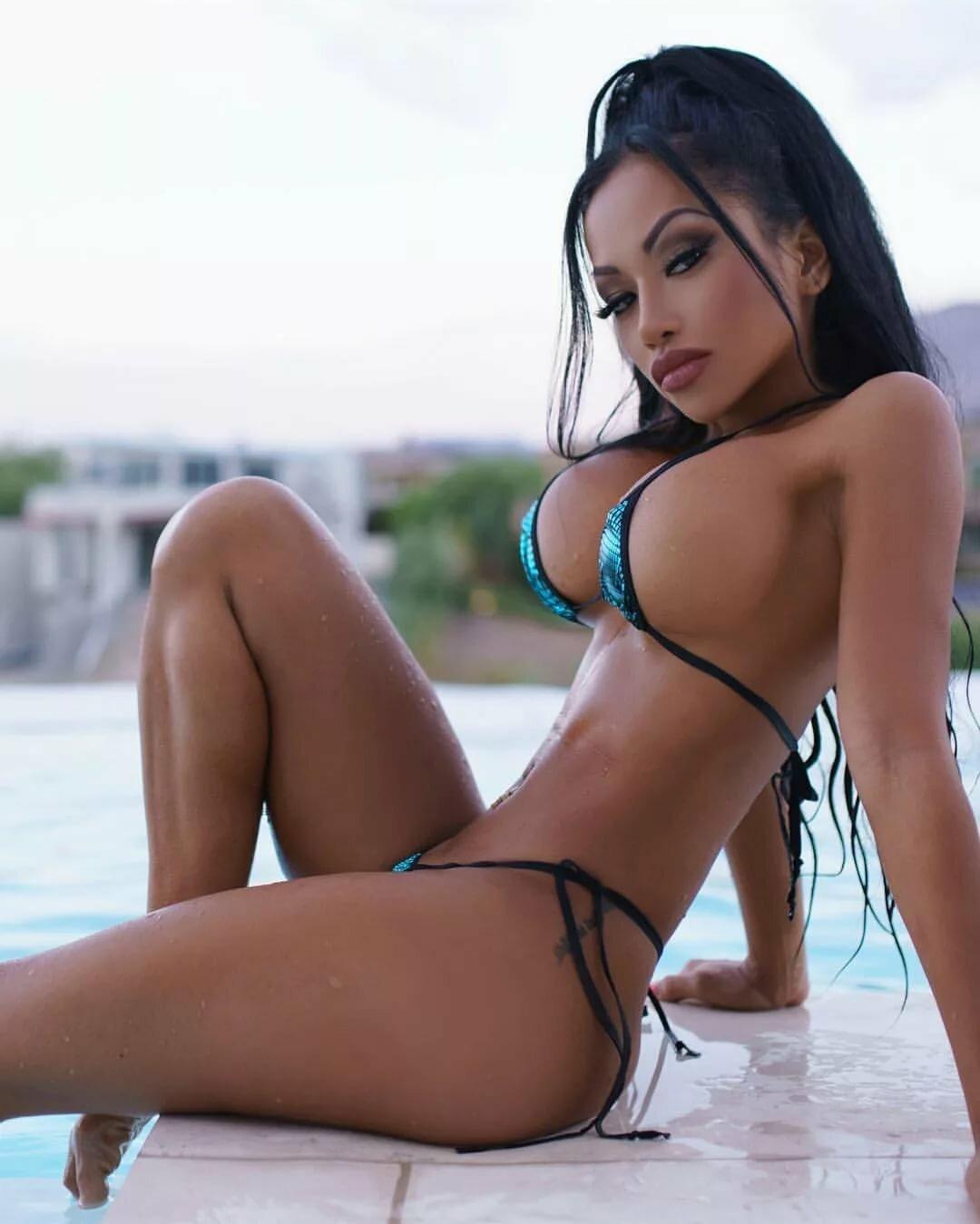 Sexy Latinas Photos