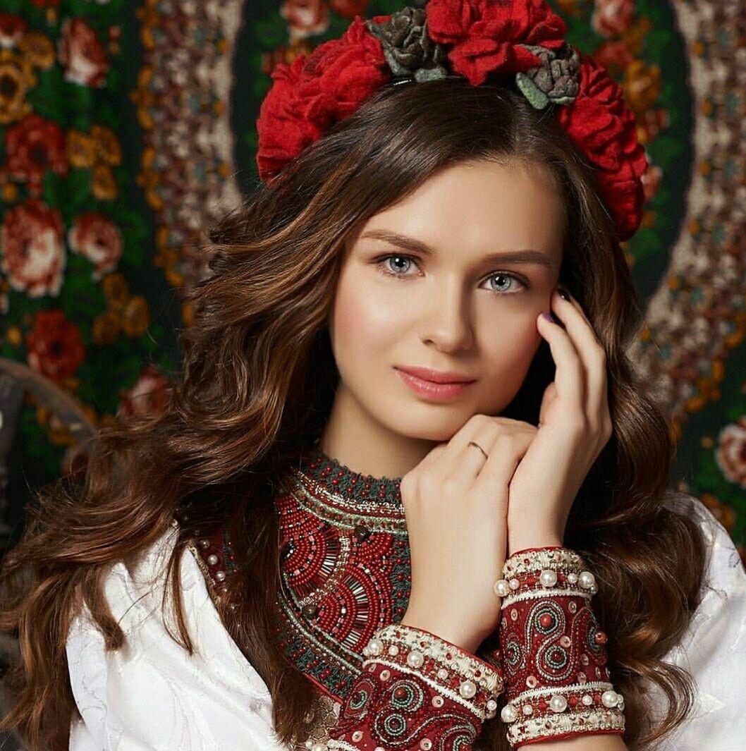 вас есть фото русских девчат вознесенский