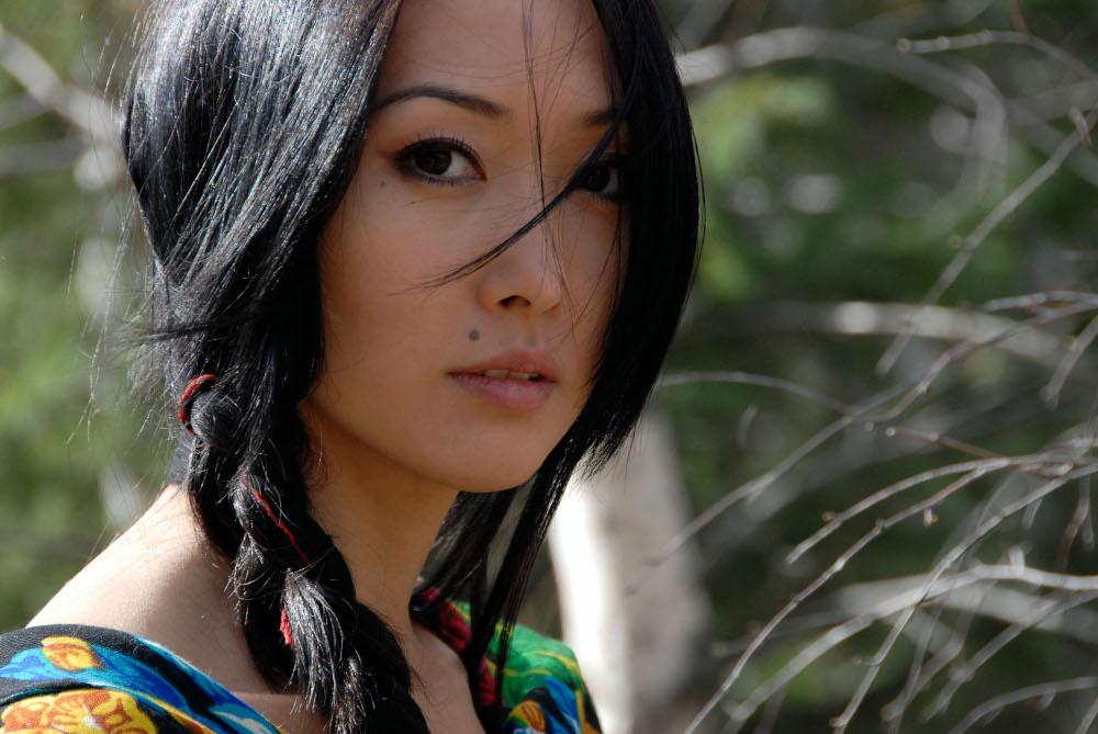 самые красивые киргизки фото белые, черные пятна