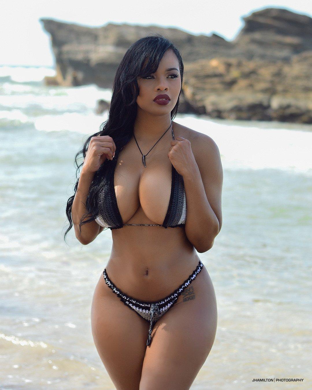 Big Booty Busty Latina