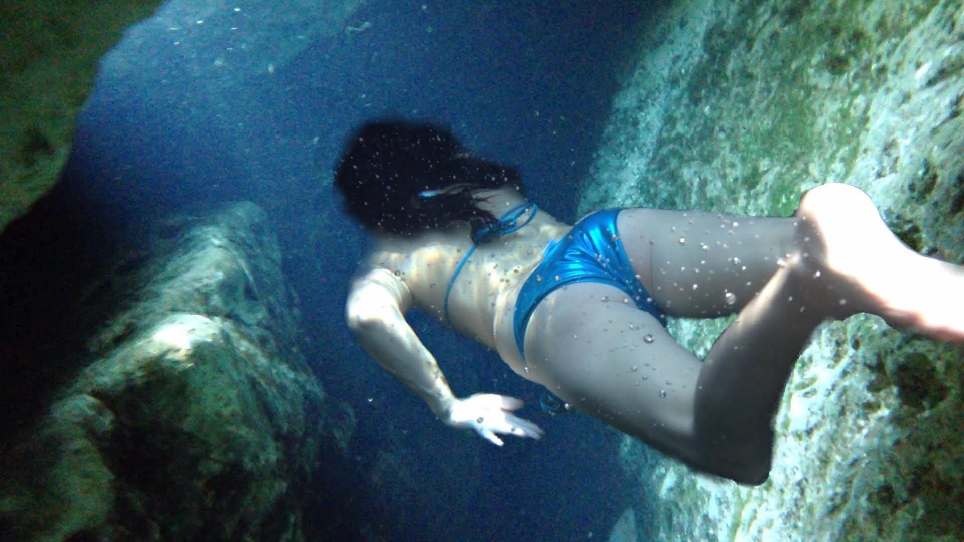 Голые Малолетки Плавают Видео