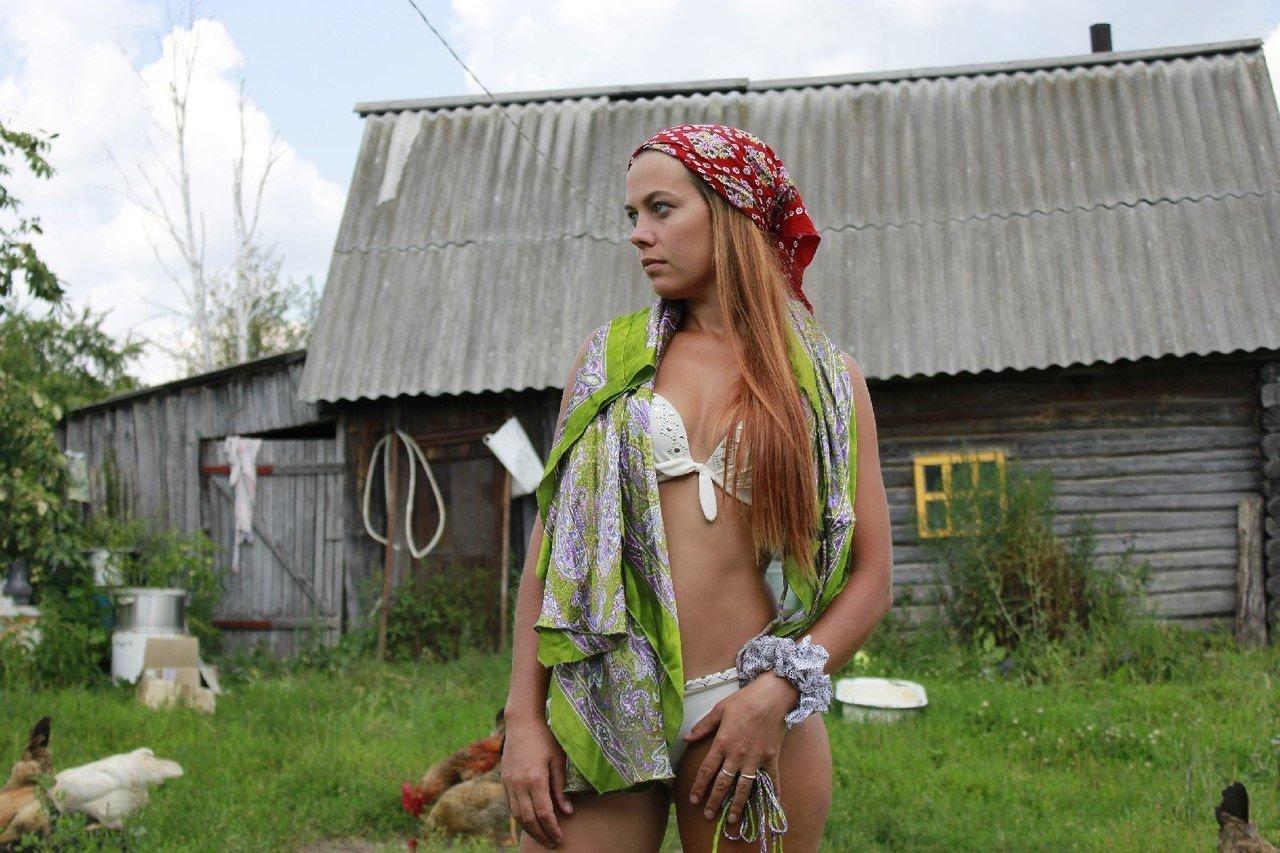 Голые Русские Тетки На Даче