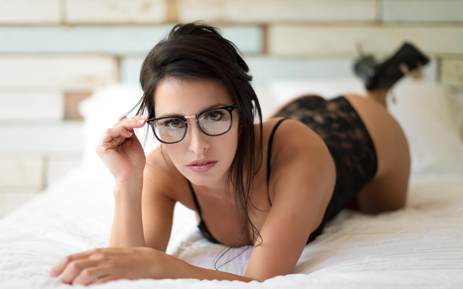 Порно Молоденьких В Очках Видео Скачать
